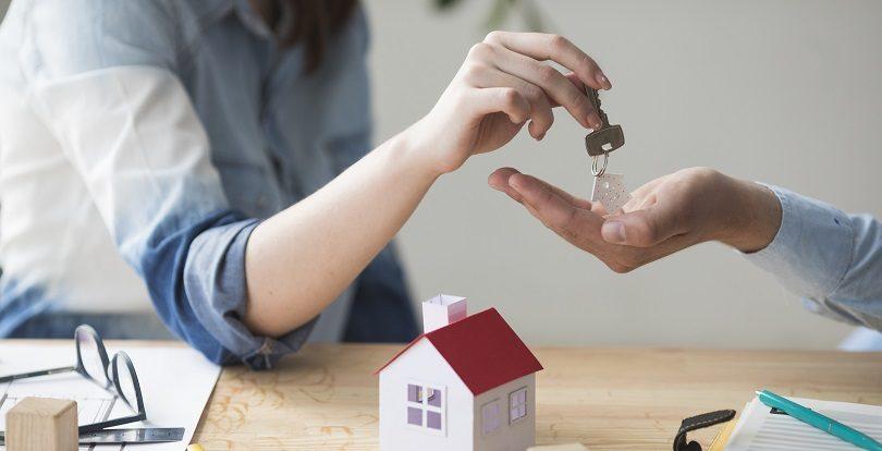 В какое время года выгоднее покупать недвижимость на первичном рынке?