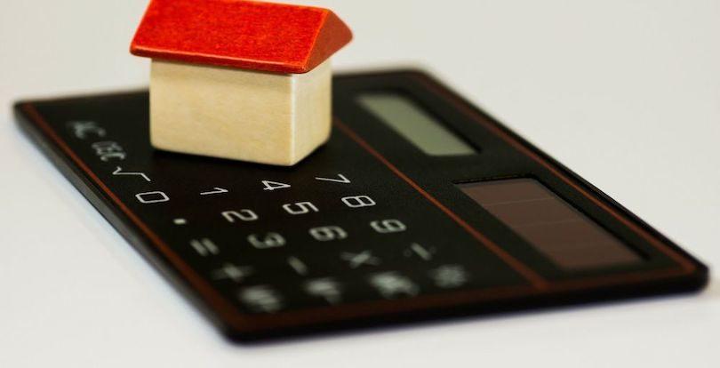В Казахстане сократят число операторов жилищных программ - Токаев подписал закон