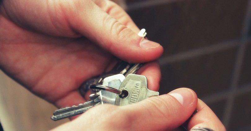 Обещавшая предоставить жилье в короткие сроки женщина задержана в Алматы